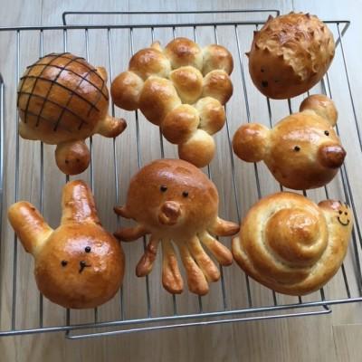 """""""からすのパンやさん""""を見ながら♪パン作り"""