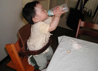 赤ちゃんから大人まで長く使える「トリップトラップ」が、プレゼントにおすすめ