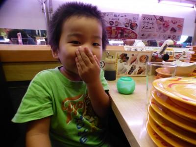 スシロー♡3人息子4・9・11歳何皿食べた?だっこずしグッズもらえた♡
