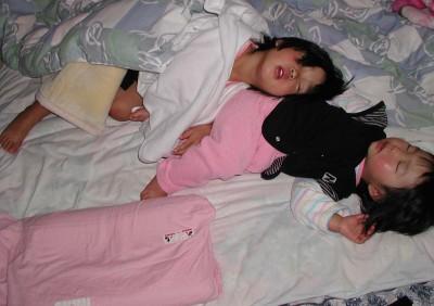 想定外スギ!子どもが高級枕を切り刻んだ!?ママはどこまで受けとめられる?
