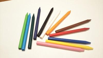 お家で簡単サイエンス!「◯◯色のクーピーに磁石がくっつく!」