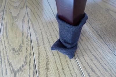 イライラ解消!コレで椅子の脚カバーが外れない!