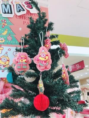 【スリコ】「ミニオン」とコラボレーションクリスマスグッズ♪