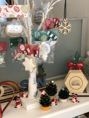 【松ぼっくり】子どもとミニツリーを作って、クリスマスを楽しもう♪