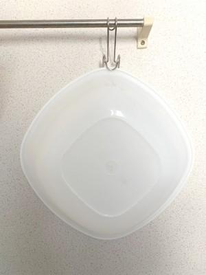 風呂桶を浮かせて収納:ハンギングホルダーで吸盤問題解消!