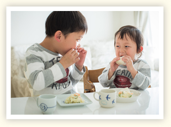 「キユーピー エッグケア」と出合い、マヨネーズ風味の料理も食卓に上がるようになり、家族がニッコリ笑顔に