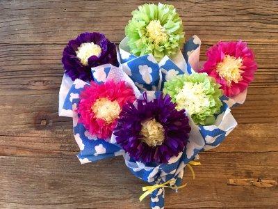 【ダイソー】100均のお花紙にひと工夫で可愛いプレゼントになる!