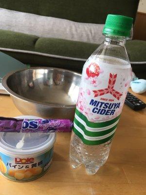 炭酸水で実験!吹き出すソーダでフルーツポンチを作ろう!