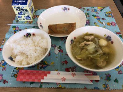 給食試食会(幼稚園と小学校)へ
