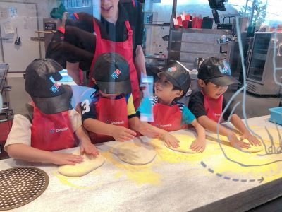 【ピザアカデミー】ドミノでピザ作り体験!お仕事体験に食育にも◎