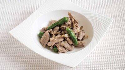 【RIZAP公式レシピ】疲労回復に!豚肉とししとうのにんにく炒め