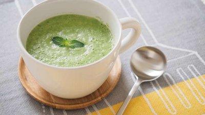 【RIZAP公式レシピ】意外な組み合わせ!?キュウリとヨーグルトのスープ