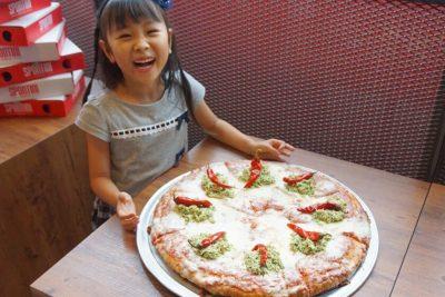 原宿【子連れランチ】大人1枚分で子供の人数分ピザとアイスが付いてくる!