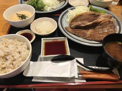 【名古屋矢場町】超人気の定食屋さん「泰山」でお手頃お肉ランチ