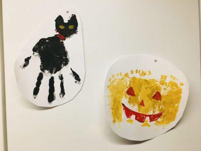 【ハロウィン】手形足形アートで簡単ハロウィン飾りの作り方