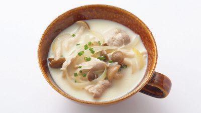 【RIZAP公式レシピ】腸内環境改善に!「豚肉とキノコの和風豆乳スープ」