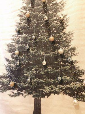 全部で2000円以下!場所もとらず安くて可愛いクリスマスツリー♡