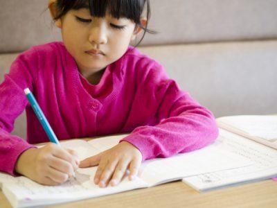 日々の親子の会話が理解力や作文力アップにつながる