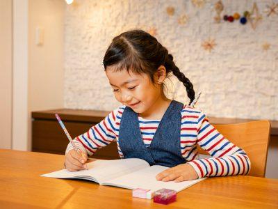 鉛筆デビューは子ども自身が正しく持てるものがイイ!