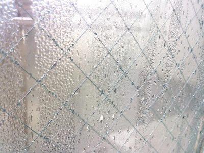 食器用洗剤が窓の結露に効く?試してみて有効だったものは