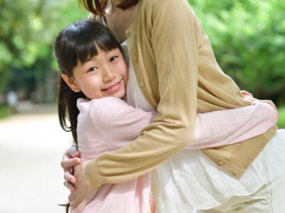 注意したら大泣きしてパニックになる小1娘。親の愛情が足りないせい?